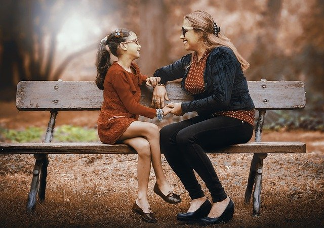matka a dcera v parku